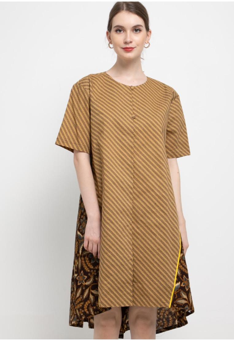 Giripurwa Woman Dress